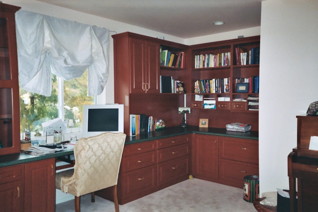 Storage with office space Haul Custom Home Office Storage Home Office Space Orange County Storage West Home Office Los Angeles Custom Closets Orange County